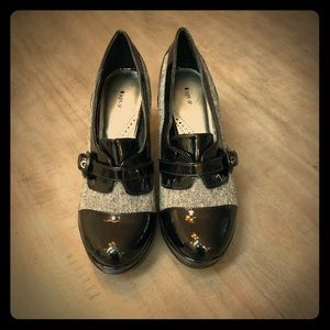 Apt 9 black tweed, Oxford style heels. 7 1/2 M
